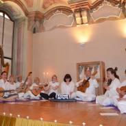 Kirtan grupa Samadhi, koncert, Prag, 2014