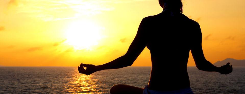 Yoga na moru